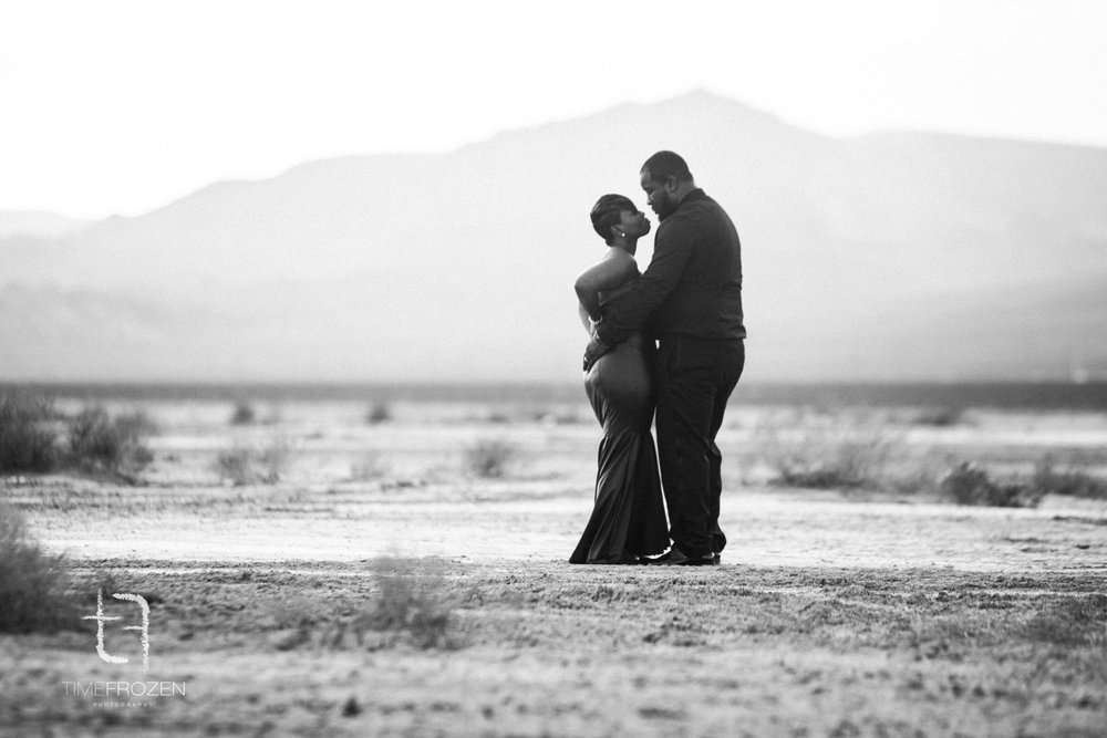 Desert_Engagement_Session-7.jpg