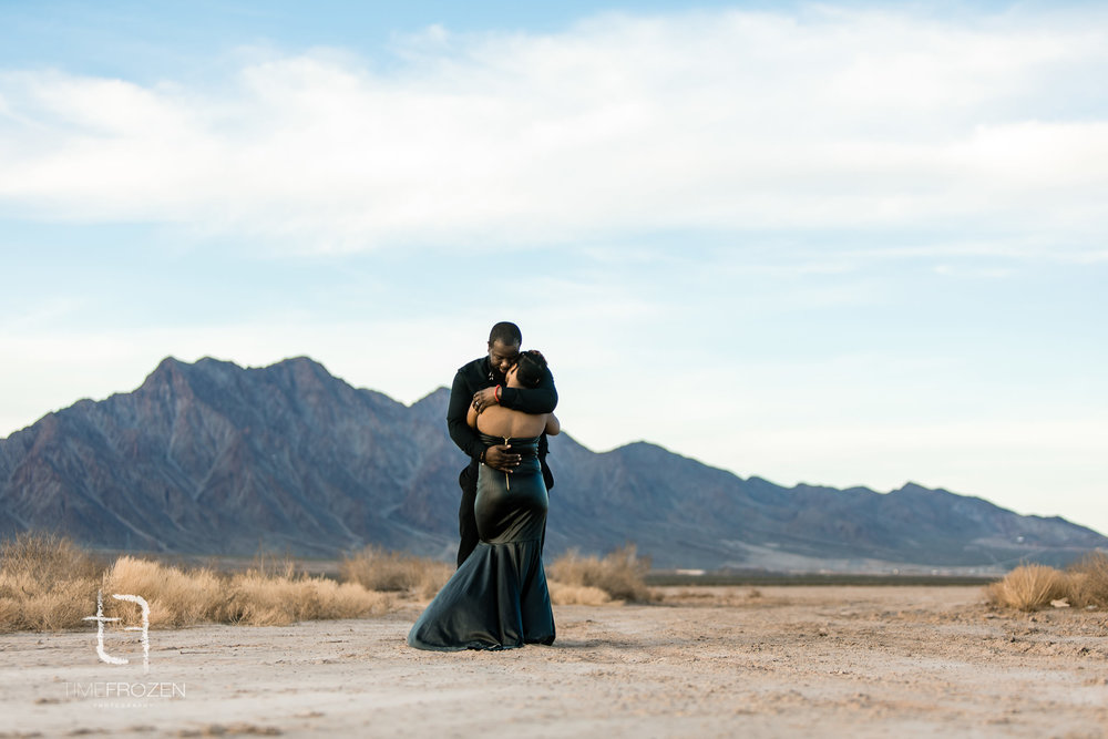 Desert_Engagement_Session-11.jpg
