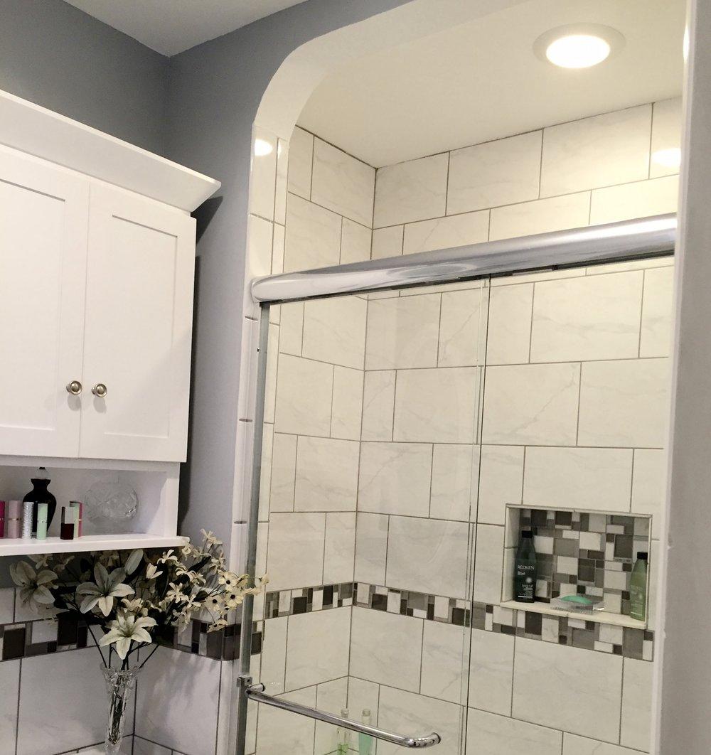 beth-drive-bathroom-jennifer-lynn-interiors.jpg