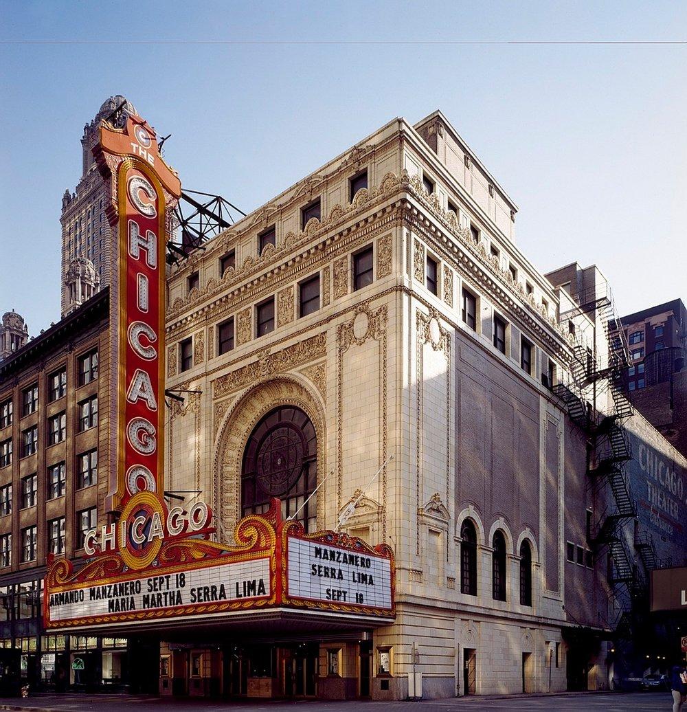 chicago-theatre-890350_1280.jpg