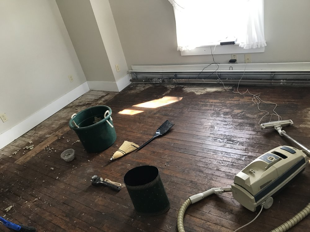 More carpet removal. I believe this is the last of it.