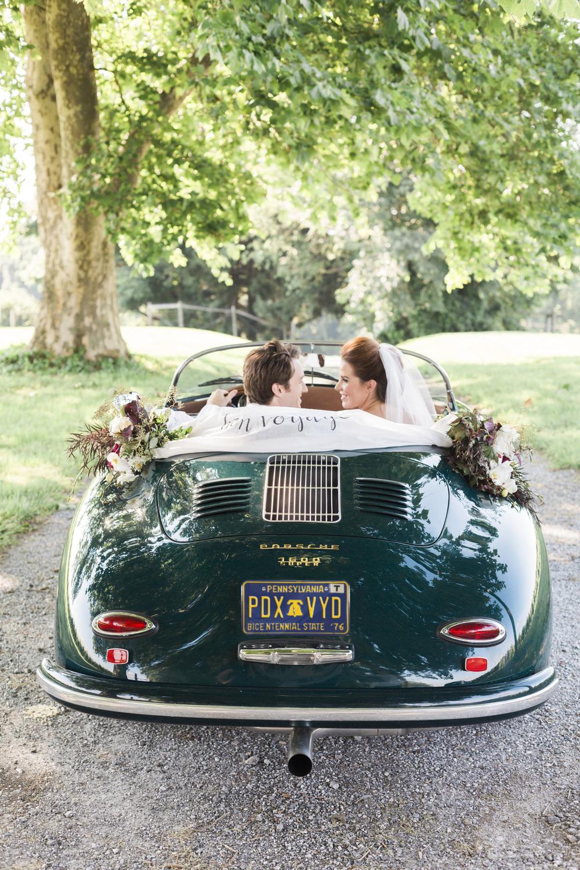 Hudson-Nichols-Paradocx-Vineyard-Wedding0055-Vintage-Porsche-356-.jpg