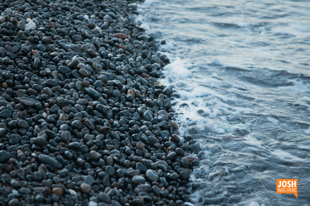 The black beach of Kamari