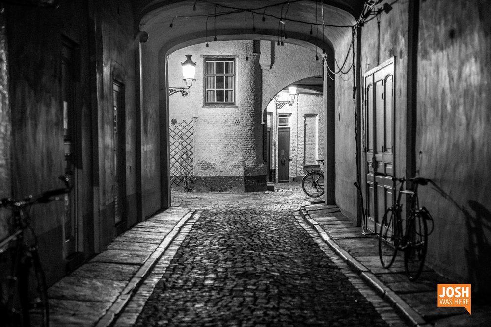 Alley, from Sint-Jakobsstraat