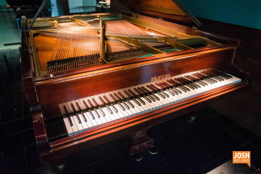 Double grand piano