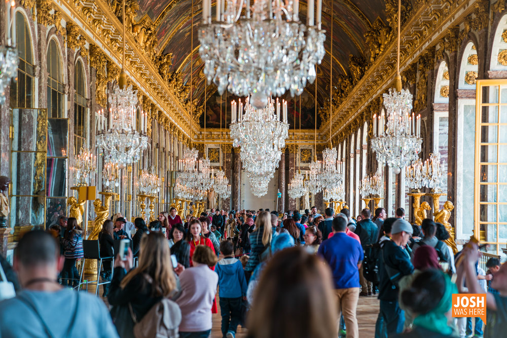 Hall of Mirrors / Galerie des Glaces