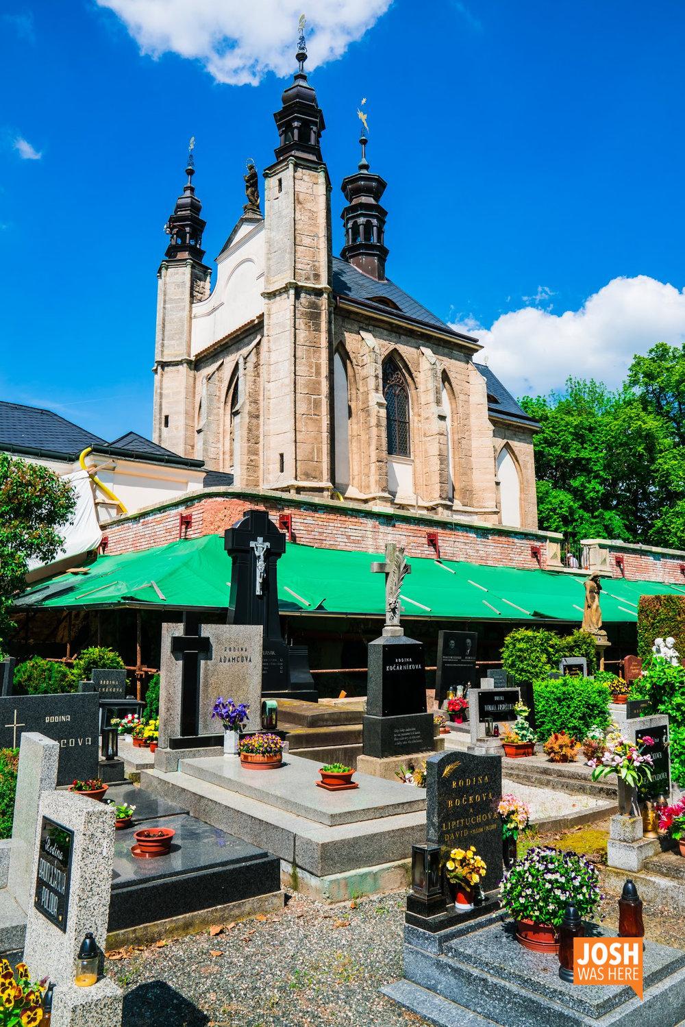 Chapel & graveyard