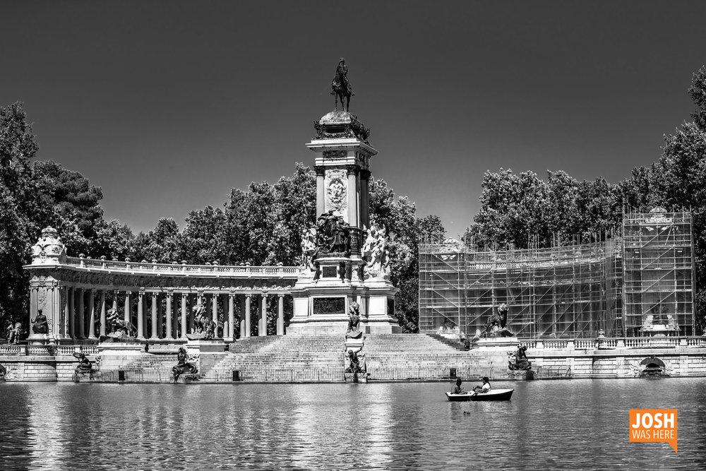 Estanque grande del Retiro & Monument to Alfonso XII
