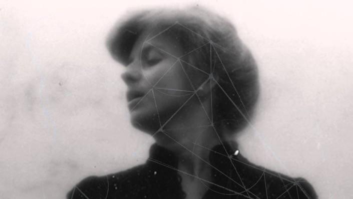 TIU-noticias-Joanna-Brouk-Hearing-Music-705x397.jpg