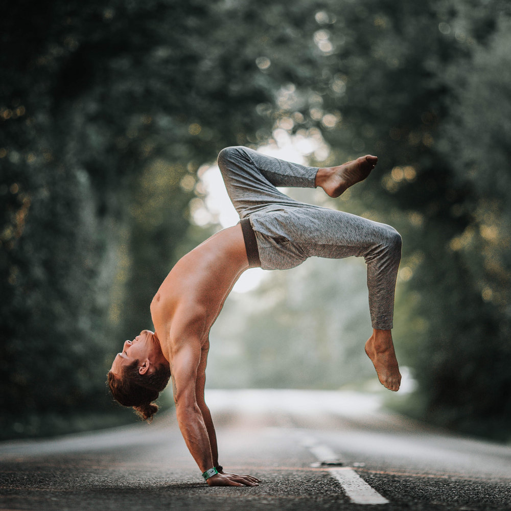 Dan Morgan Yoga | DCMLifestyle & Yoga | Hollowback Handstand