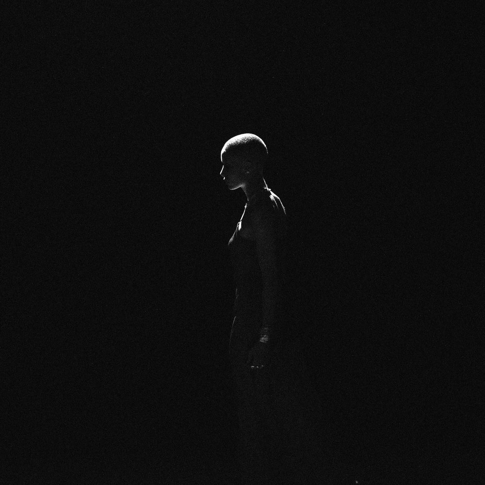 black-background-light-side-view-954547.jpg