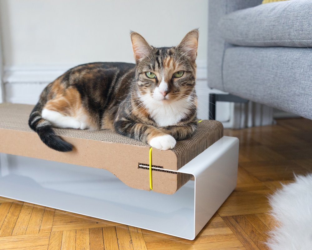 FLIP IT - Is a bigger, flatter scratching area your kitty's thing? Or perhaps your cat is just looking for a little variety? Either way, our cardboard core flips over, giving you two sides to choose from and making each refill last twice as long.