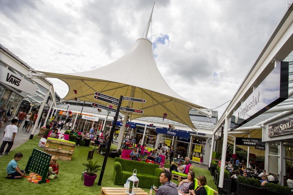 McArthurGlen Designer Outlet Bridgend launches Festival of Summer - Summer garden.JPG
