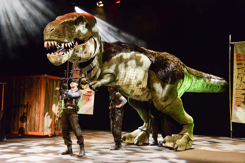 Dinosaurs To Invade Newports Riverfront Theatre With Live Family