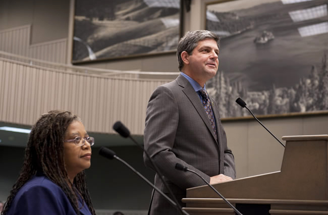 Assemblyman Jim Wood's Broadband Map Act recently cleared the Senate Transportation and Housing Committee. Connie Stewart, left, executive director of the California Center for Rural Policy, spoke in favor of the bill. (Image courtesy of Assemblyman Jim Wood's office)