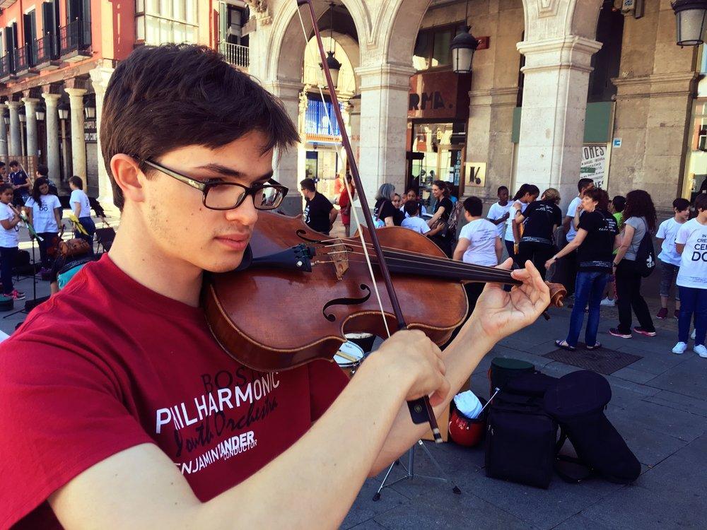 Dominick Douglas Eureka fellow & violist