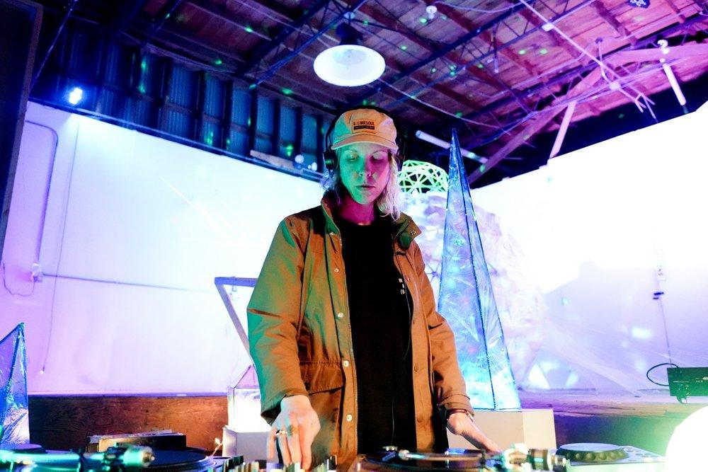 DJ Cap'n Tits