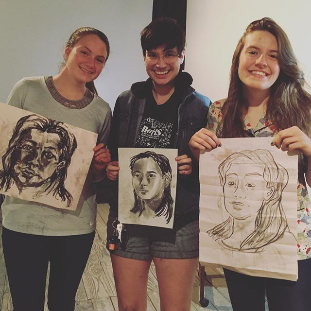 Shout to these talented qweens from Dripping Springs High School for joining us for Figure Drawing tonight! Also a huge thanks to @marywendelart for teaching a phenomenal class and @kellyhhuang for being an inspiring model 💜🌈❤️