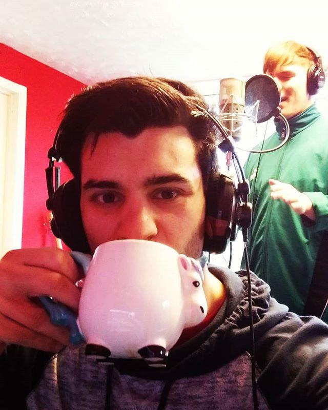 drinking magical unicorn tea because im fucking hard #unicorn #tea #juice #recording #music @callum_j_music