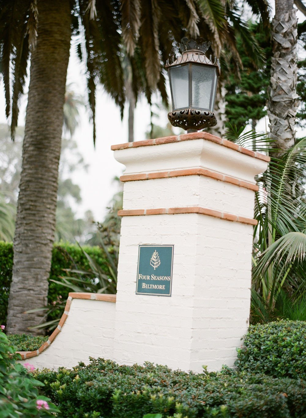 magnoliaeventdesign.com | Jose Villa | Wedding at The Four Seasons Biltmore in Santa Barbara | Magnolia Event Design
