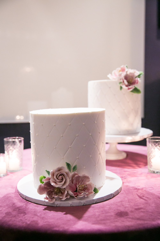 birthday-cake-magnolia-event-design-miki-and-sonja-melisse.jpg