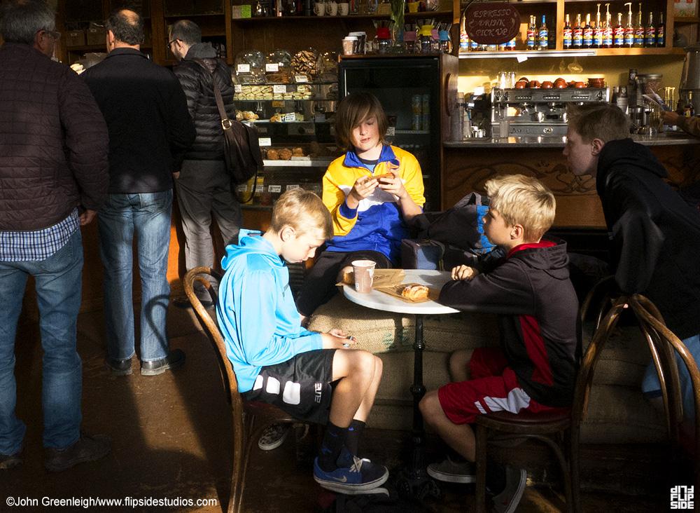 cafe_kids.jpg