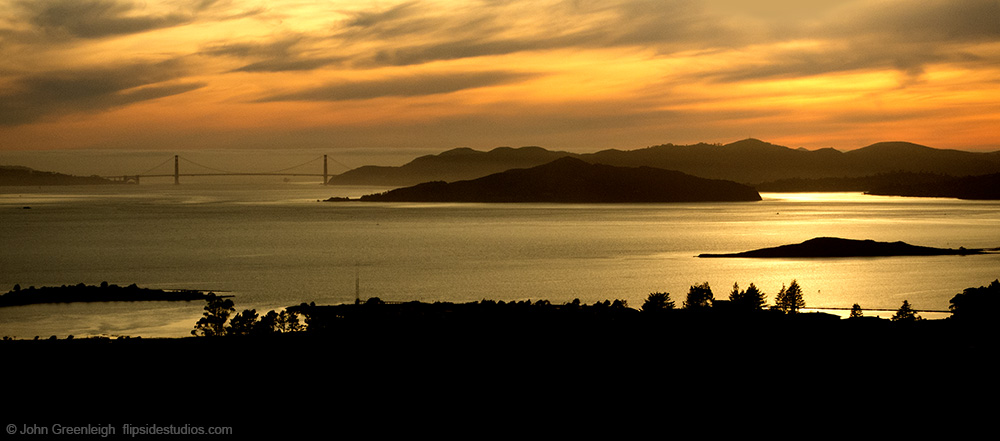 ggbridge_sunset_berkeley_lo.jpg