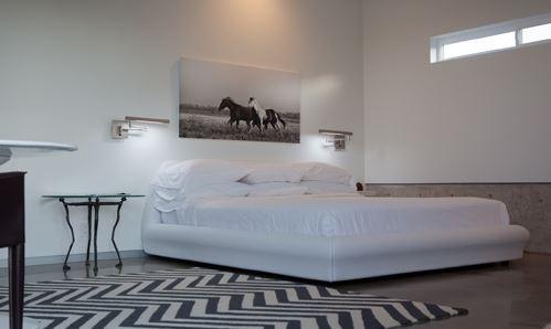king bed.JPG