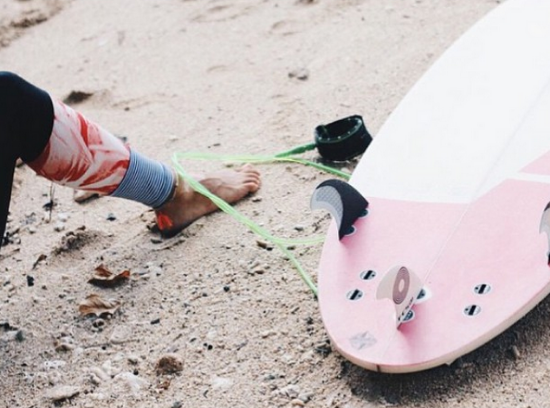 photo:  @surfsistas Instagram