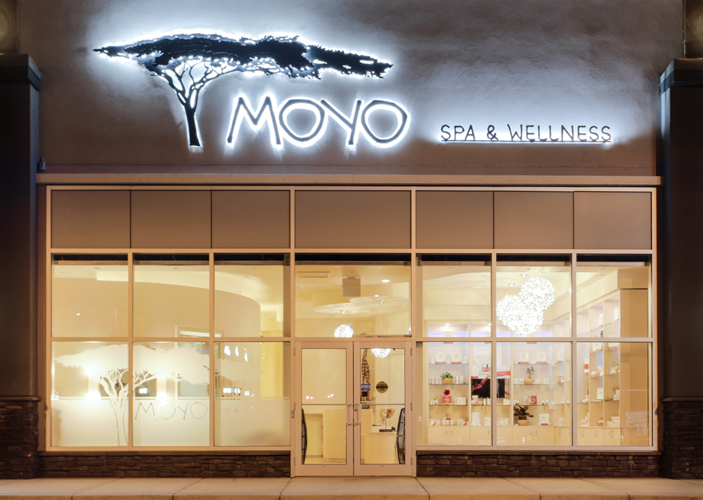 idc-spa-design-moyo-spa-wellness-exterior-night.jpg