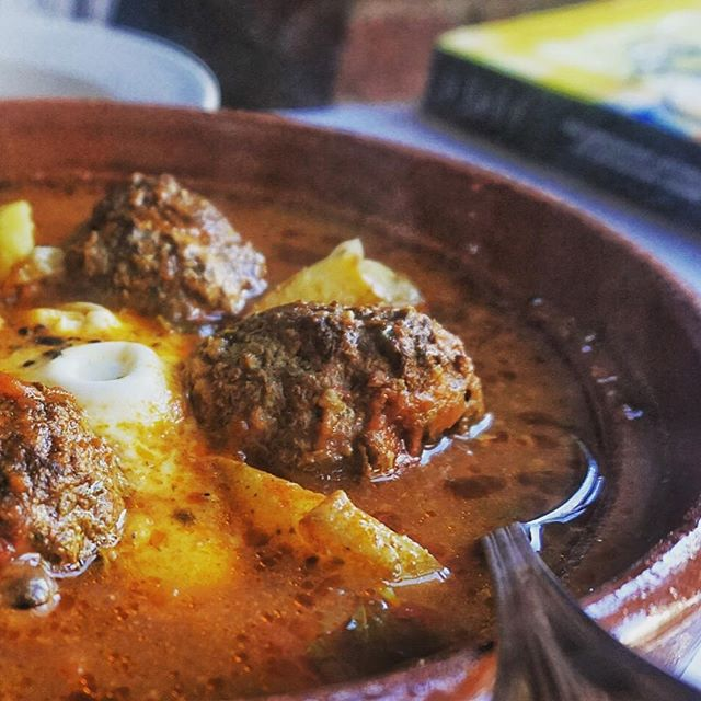 This is the #Kefta #Tagine: housemade #NorthAfrican spiced beef meatballs with an egg and a delicious veggie sauce. @eater's favorite! With the temperatures going down, trust us: this will warm you right up. 📷 Photo: @xuxinyi_nancy  #baromar #algerianfood #delicious #moroccanfood #brooklyn #brooklyneats #brooklynfoodie #nyc #nyceats #nycfood #nycfoodie #foodporn #nycfoodporn #nyfood #williamsburgeats #nomnom #tajine #eeeeeats #brooklynbars #meatlover #Williamsburg