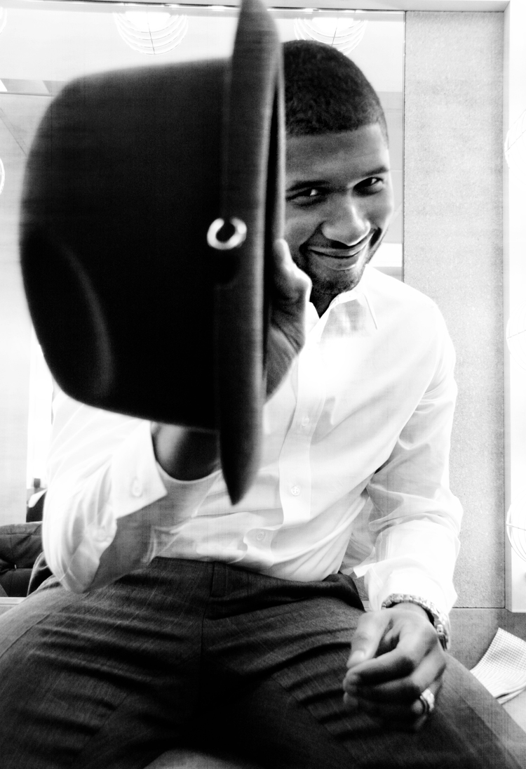 USHER PHOTOGRAPHED WITH A KIT LENS - PHOTOGRAPHY BY WALID AZAMI