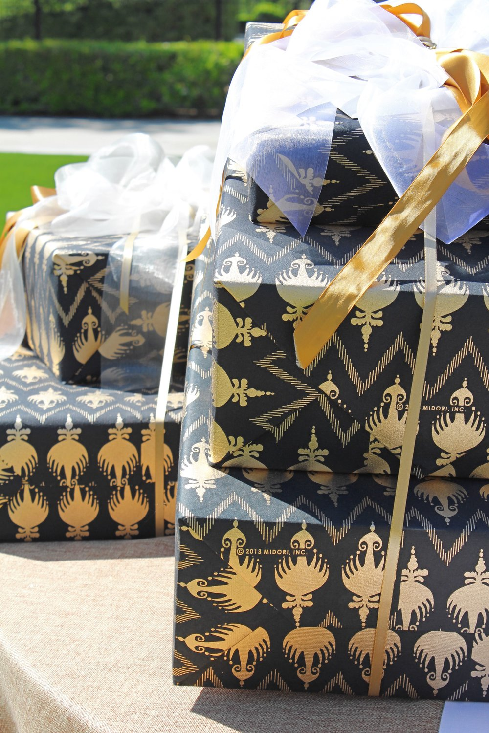 Rsvp style gift wrap black and gold.jpg