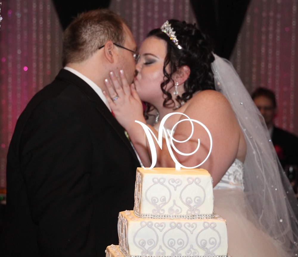 cake cutting kiss.jpg