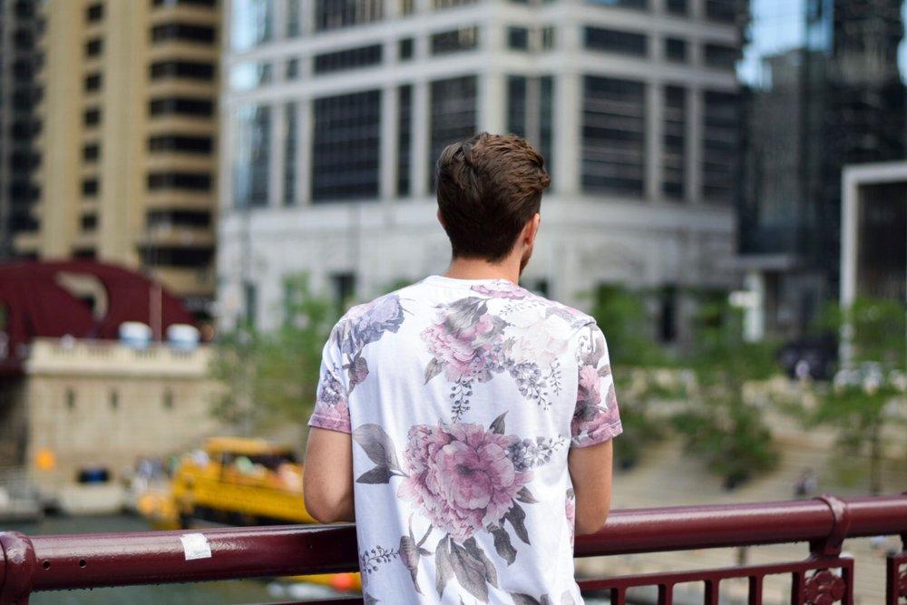 forever-21-men-floral-print-tee