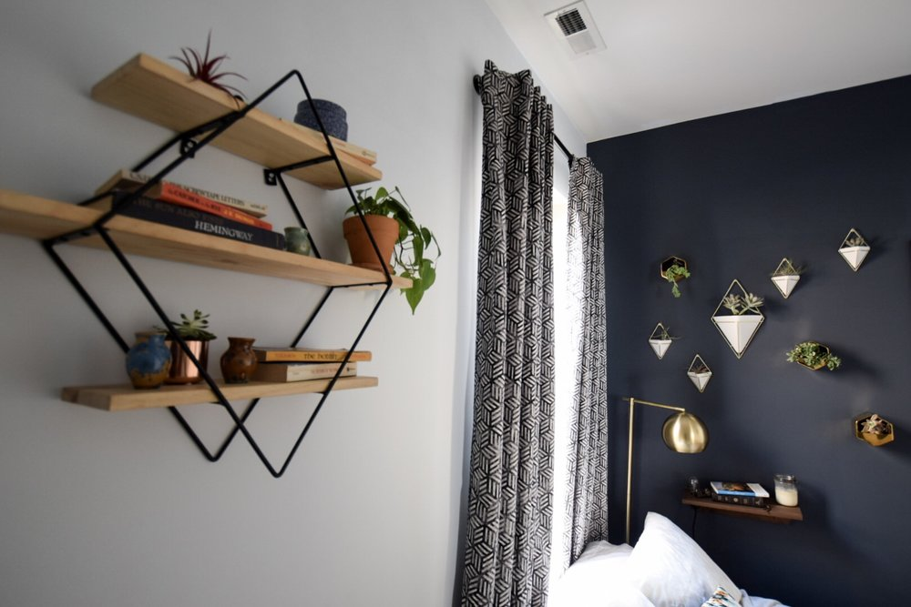 urban-outfitters-diamond-shelf