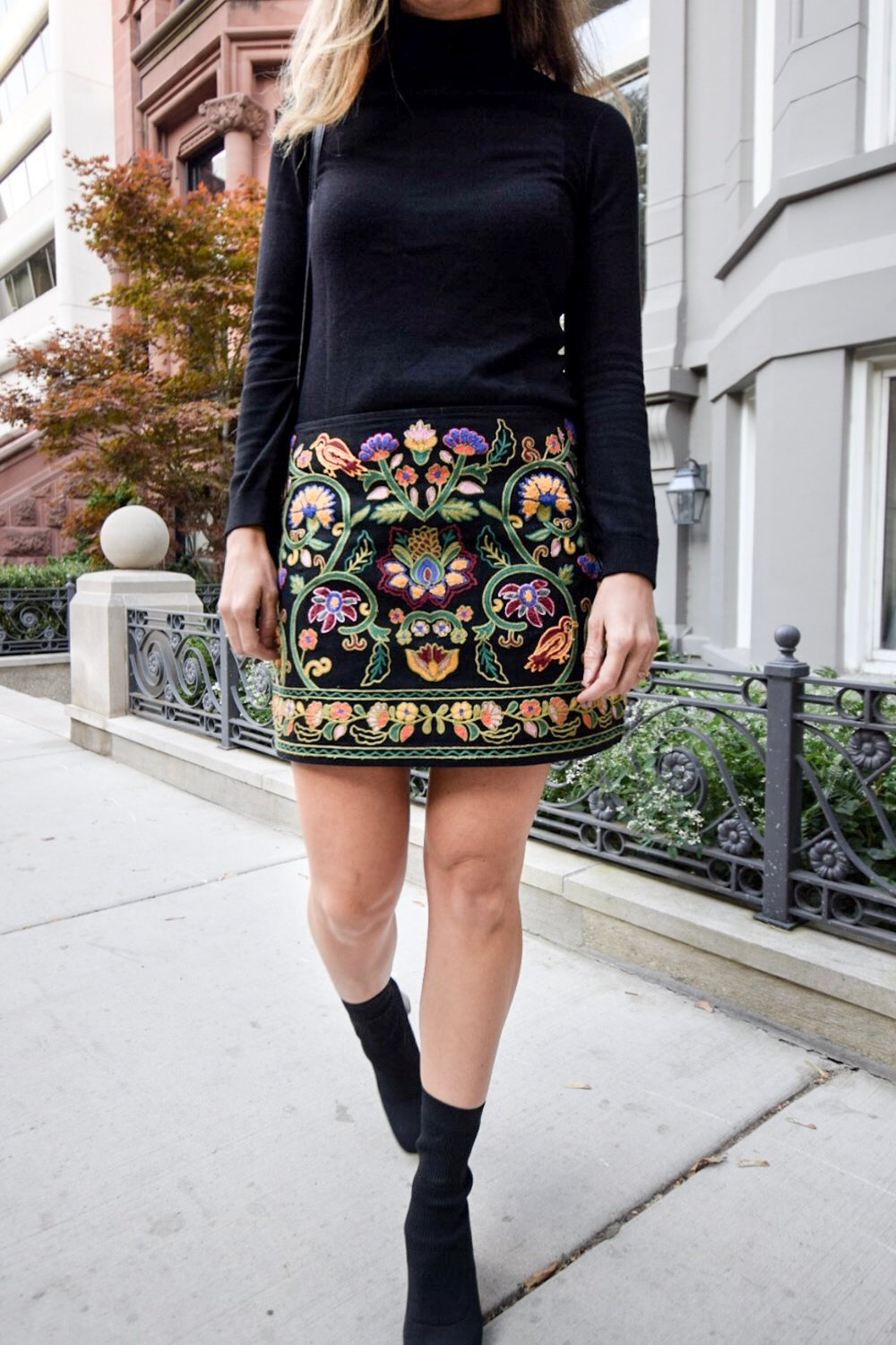 zara-embroidered-autumn-skirt