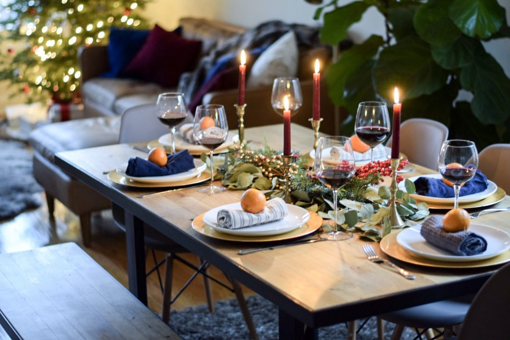 west-ellm-christmas-table-setting