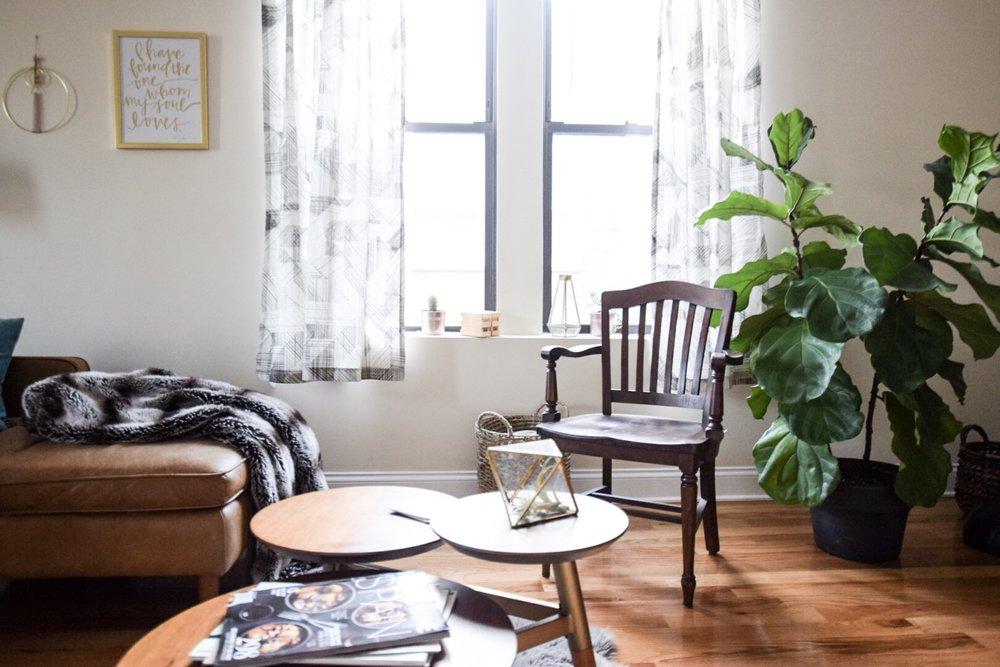mid-century-modern-living-room