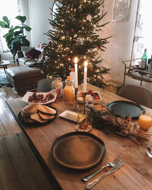Celebrating Christmas early this morning with pancakes and bacon 😋🥞🥓 A couple special gifts under the tree to be opened and heading to Rockford with family tomorrow! 🎁 . . . #mywestelm #christmasdecor #mypinterest #midcenturymod #apartmenttherapy #sodomino #theeverygirlathome #discoverunder5k #chicagoblogger #howwedwell #westelmchicago #ltkhome