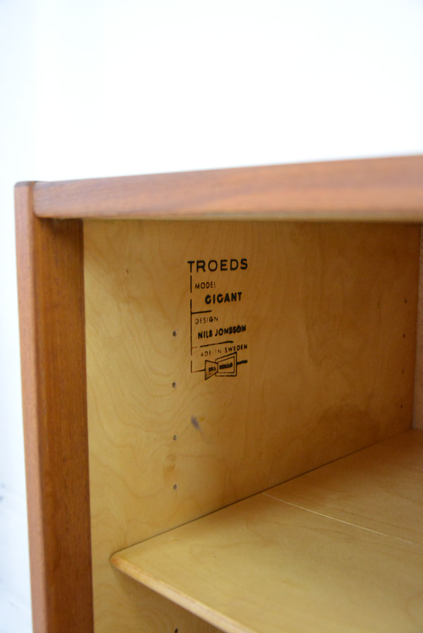 Troeds_Sweden_long_teak_sideboard_manufacturers_stamp.JPG