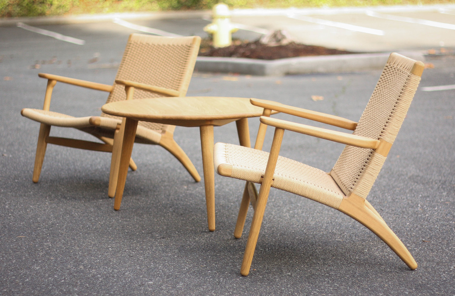 pair of ch25 easy chairs by hans wegner sold mid and mod
