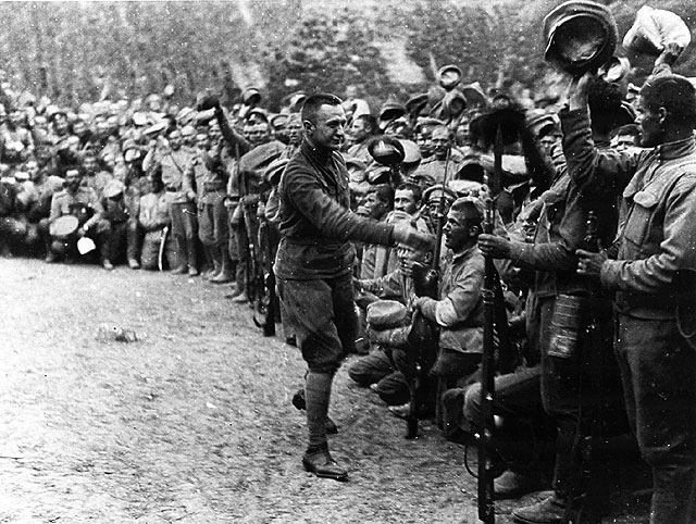 kerensky greeting troops.jpg
