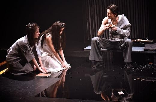 Masako Mizusawa,Kimie Tsukakoshi and Noriaki Okubo. Photo by Barbara Lowing. HANAKO - Brisbane Festival 2016.