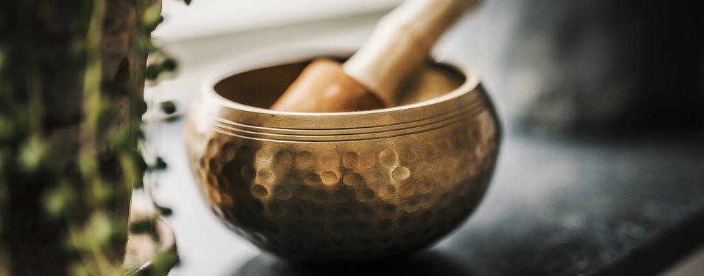 The-Yoga-Flat-Singing-bowl