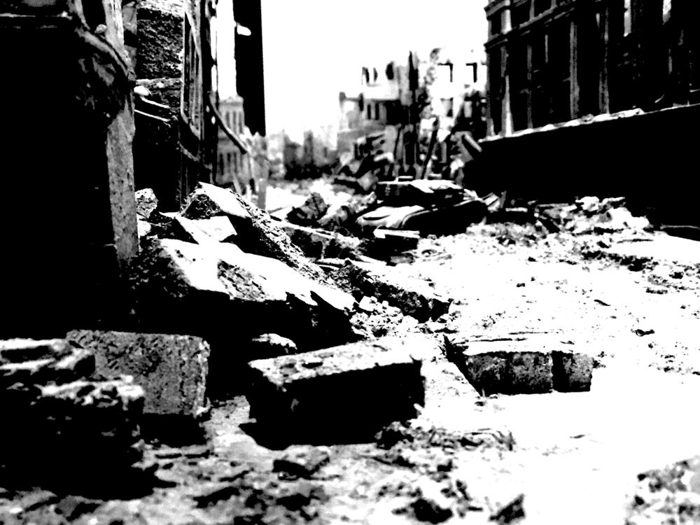 EasternFront_StalingradInRuins.png