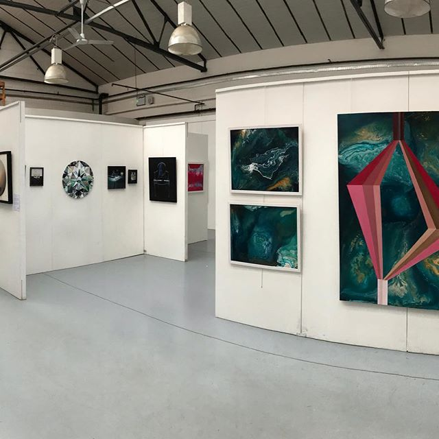 LokoCampers HQ is hosting  the Oko:Art Easter Exhibition. Open today 1-4pm and running until the 22nd April. All welcome. Artists @benpayne_art @ellisartworks @taniaokoart @okoartuk #takeabreak #guildford #artgallery #originalart #surreyartist
