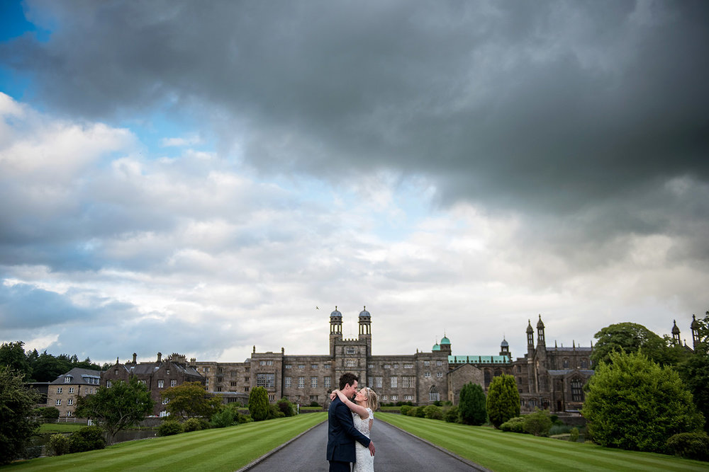 weddingcouple_stoneyhurstcollege