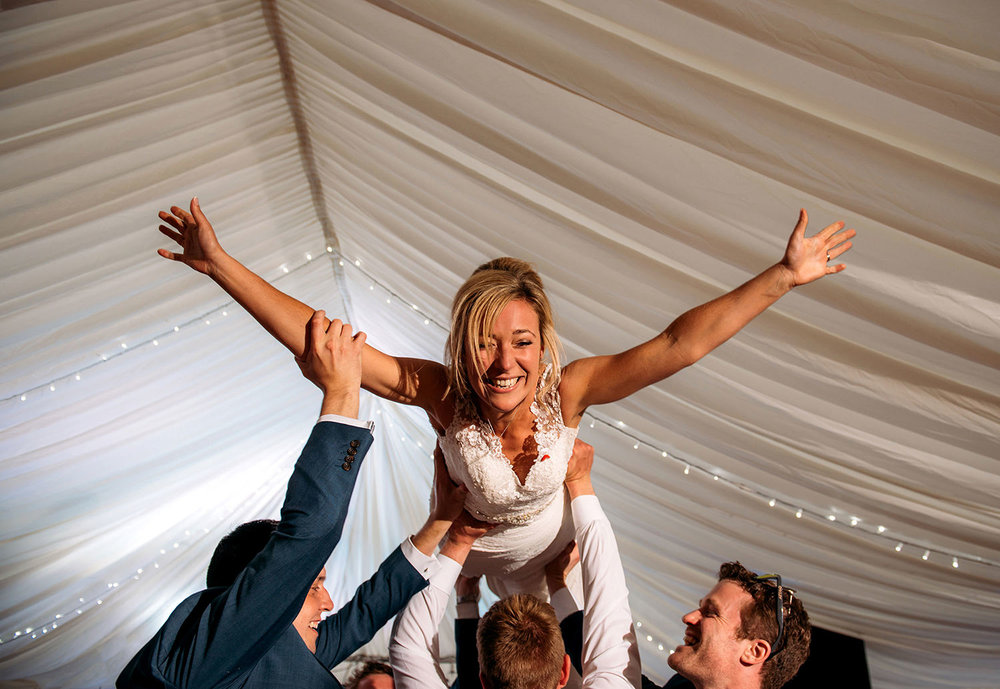 bride doing 'the lift' during the 'dirty dancing' first dance