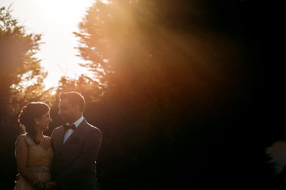 bride and groom golden light